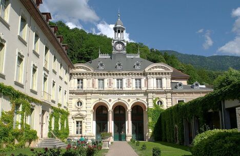 "Thermes d'Uriage-les-Bains<span class=""normal italic petit"">© Thermes d'Uriage-les-Bains</span>"