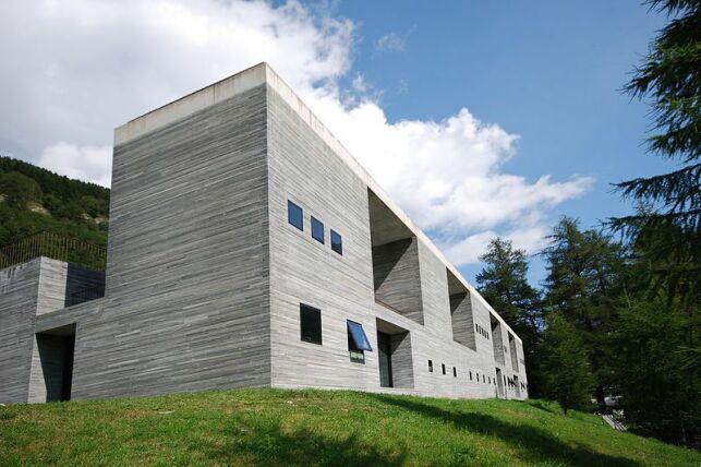 Thermes de Vals : un design contemporain au coeur des montagnes.