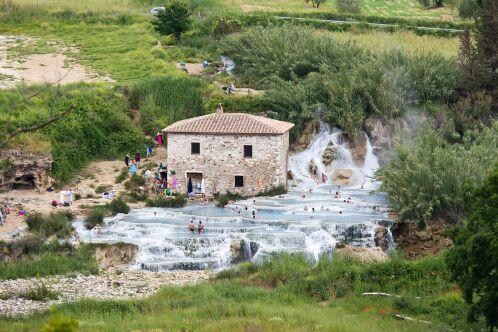 Thermes en plein air gratuites Saturnia en Italie