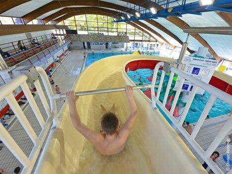 """Toboggan de la piscine Aqua Lons à Lons<span class=""""normal italic petit"""">© Aqua Lons</span>"""