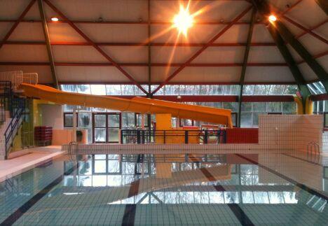 """Toboggan de la piscine de Suippes<span class=""""normal italic petit"""">DR</span>"""