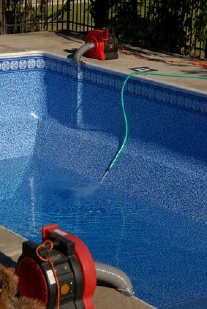 """Tout savoir sur la pompe de votre piscine, un accessoire indispensable<span class=""""normal italic petit"""">© Fotolia</span>"""