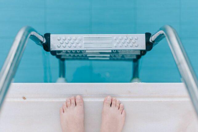 Traitement choc au brome pour spa