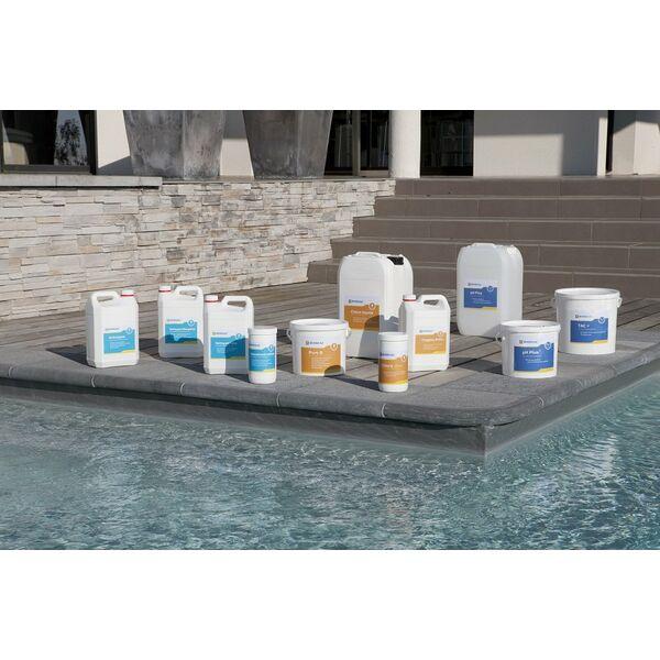 Le traitement de l eau de votre piscine for Traitement eau piscine