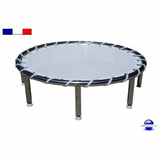 faire du sport dans sa piscine trampoline aquatique par. Black Bedroom Furniture Sets. Home Design Ideas