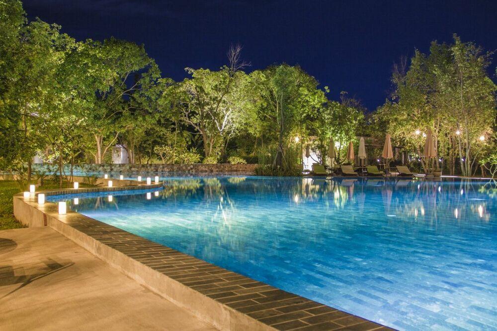 Transformer sa piscine en écran géant ? © Humphrey Muleba - Unsplash