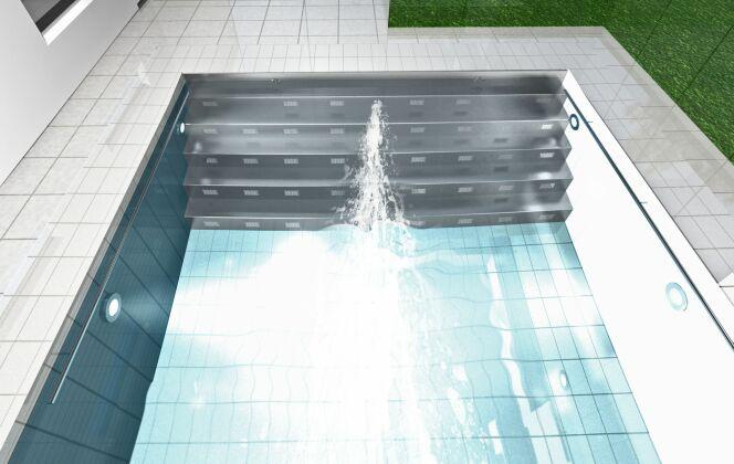 BINDER a également imaginé un escalier en acier pour rendre l'accès à la piscine plus aisé. L'escalier est équipé du système HydroStar par défaut et est ajusté individuellement à la taille de chaque piscine. © HydroStar - BINDER