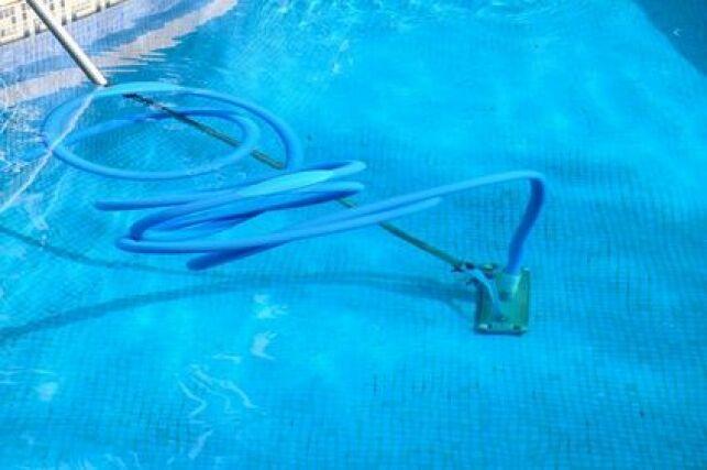 Tuyau flottant pour piscine