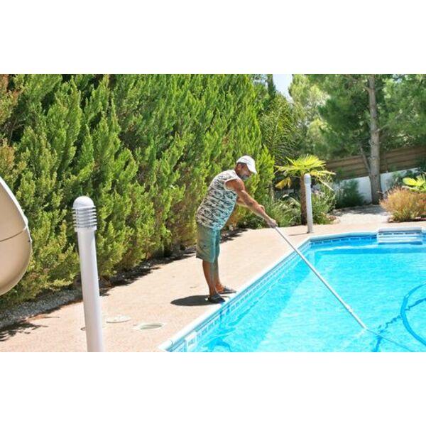 Un aspirateur de piscine pas cher - Electrolyseur piscine moins cher ...