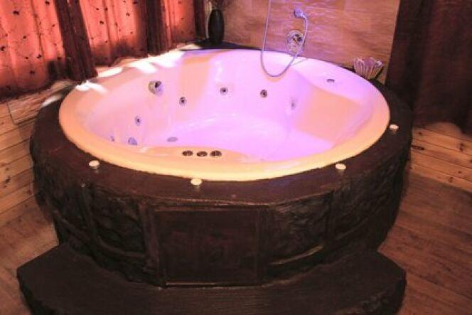 Une baignoire hammam choisir entre bain de vapeur et for Peut on repeindre une baignoire