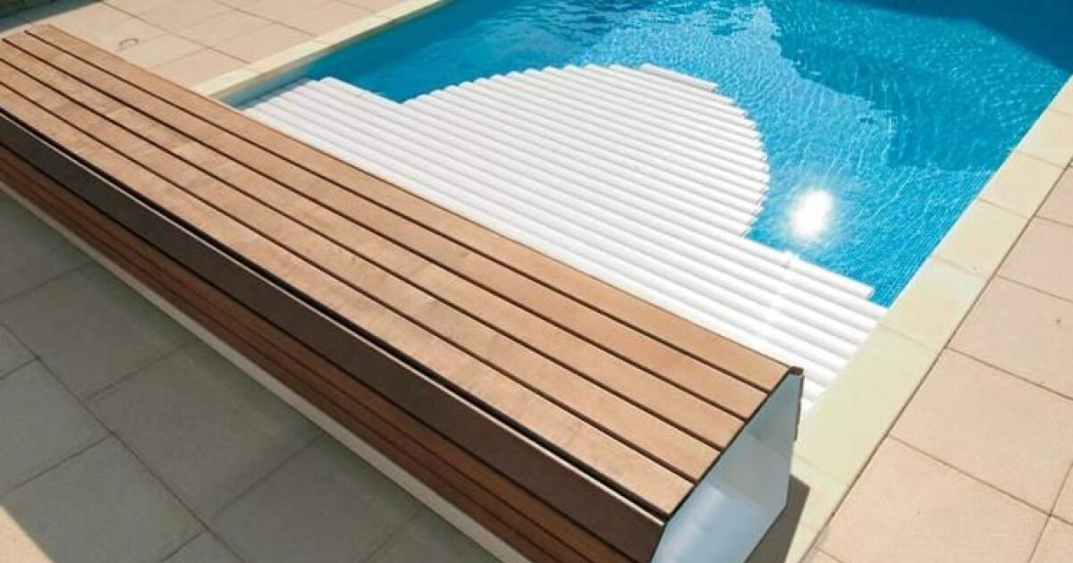 Un banc ou coffre pour volet de piscine for Abri de piscine ou volet roulant