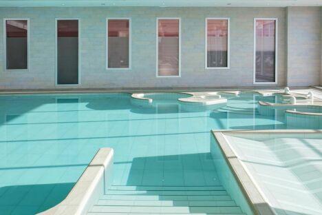 """Un bassin d'eau de mer à la thalasso Previthal de Donville<span class=""""normal italic petit"""">DR</span>"""