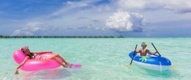 Un bateau gonflable pour la plage