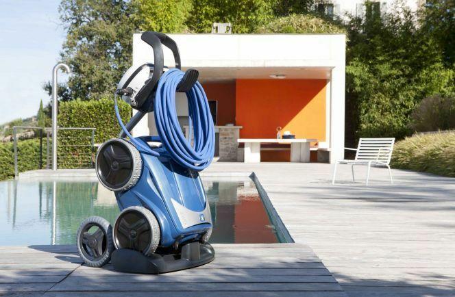 """Le chariot est un accessoire qui vous permettra de déplacer votre robot de piscine plus facilement.<span class=""""normal italic petit"""">© Zodiac Pool Care Europe</span>"""