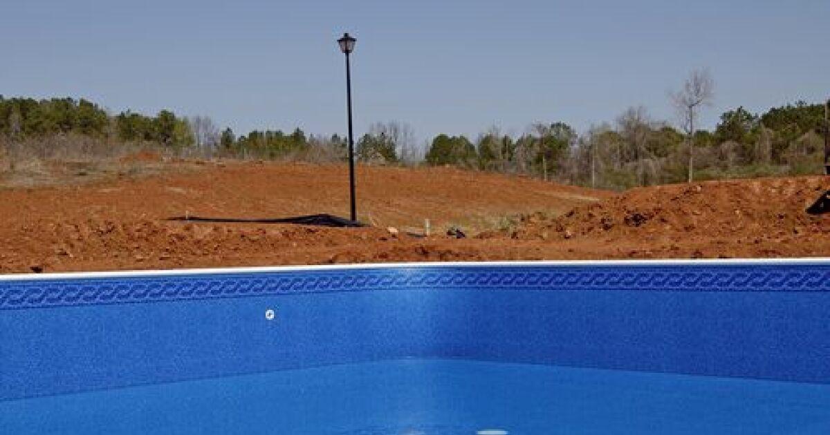 un devis pour la r novation de la piscine estimation du prix. Black Bedroom Furniture Sets. Home Design Ideas