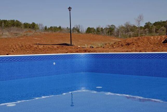 Un devis pour la rénovation de la piscine