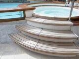 Un escalier pour spa : entrer et sortir de son spa en toute sécurité