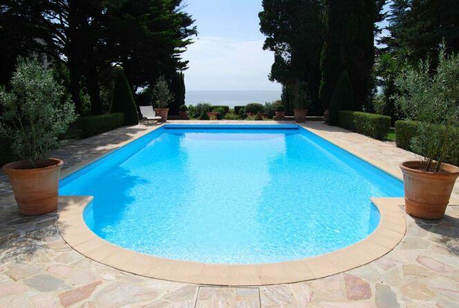 Trouvez le bon fabricant de piscine coque polyester for Piscine en coque polyester