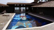 Une piscine en hommage à David Bowie