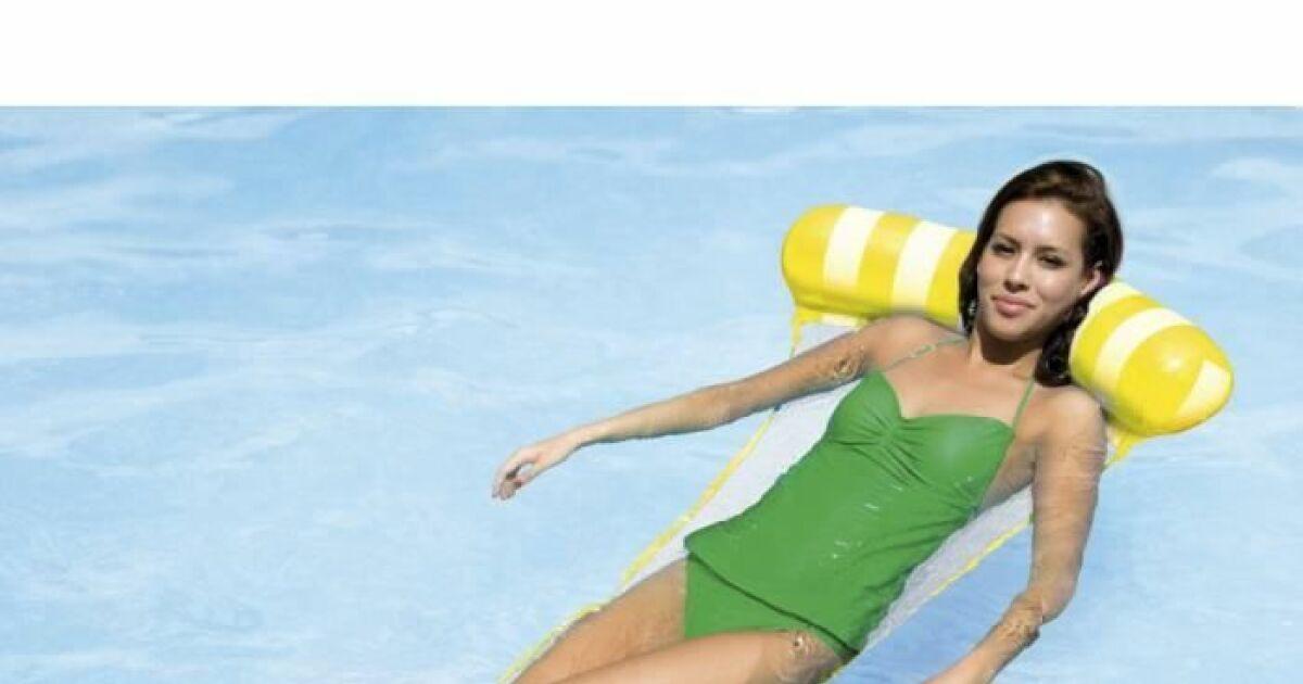 un hamac pour sa piscine d tente dans l 39 eau. Black Bedroom Furniture Sets. Home Design Ideas