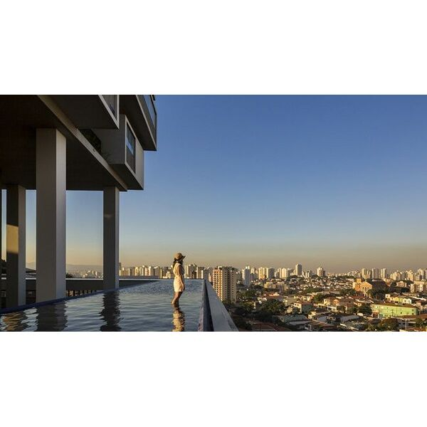L 39 immeuble 360 entour d une piscine for Piscine entre 2 immeubles