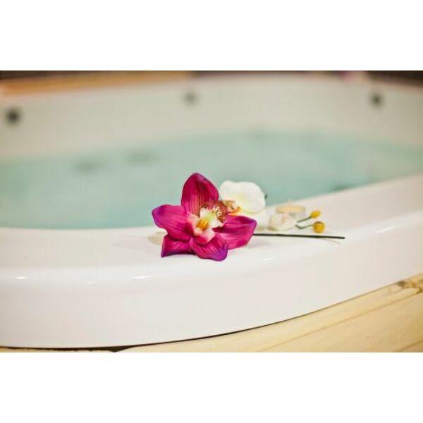 Un jacuzzi chez soi le bain bulles la maison ou dans le jardin - Comment choisir un jacuzzi ...