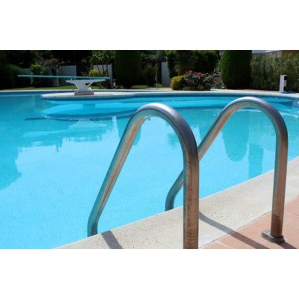 Le liner pour piscine ovale un rev tement adapt for Liner pour piscine sur mesure