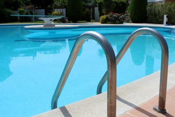 Le liner doit s'adapter à la forme de la piscine.
