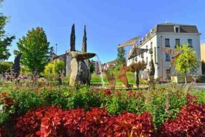 """Un nouveau centre pour les thermes de Châtel-Guyon <span class=""""normal italic petit"""">© ot-chatel-guyon.com</span>"""