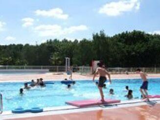 Un petit plongeon dans la piscine d'Evron ?