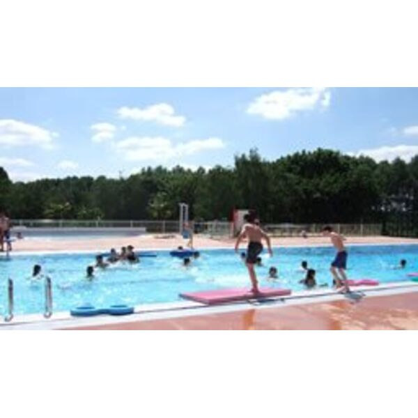 Piscine uzes horaires tarifs et photos guide of horaire for Horaire piscine rixheim