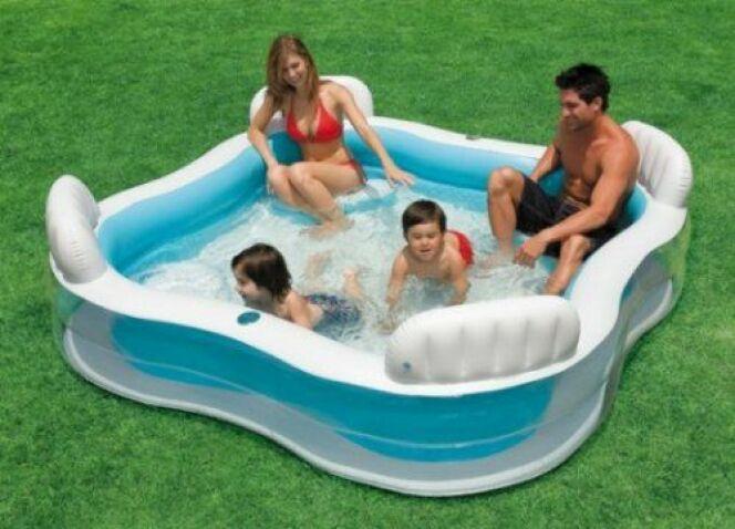 """Un piscine démontable est en principe facile à installer et à ranger.<span class=""""normal italic petit"""">© Intex</span>"""
