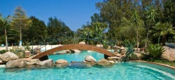 """Un pont à côté de votre piscine<span class=""""normal italic petit"""">© Fotolia</span>"""
