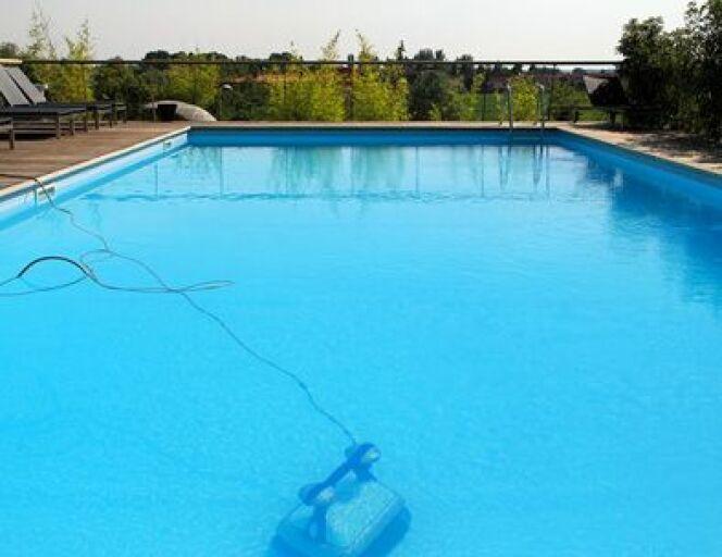 """Un robot de piscine adapté à vos besoins, par Hayward<span class=""""normal italic petit"""">© Markobe - Fotolia</span>"""