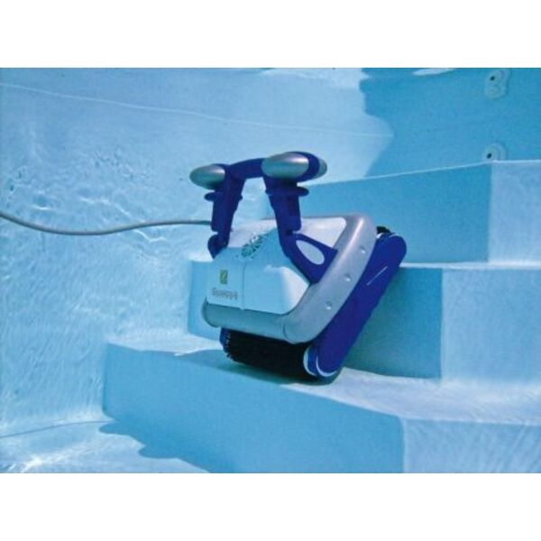 Robot de piscine t l command le confort port e de main for Robot aspirateur piscine autonome