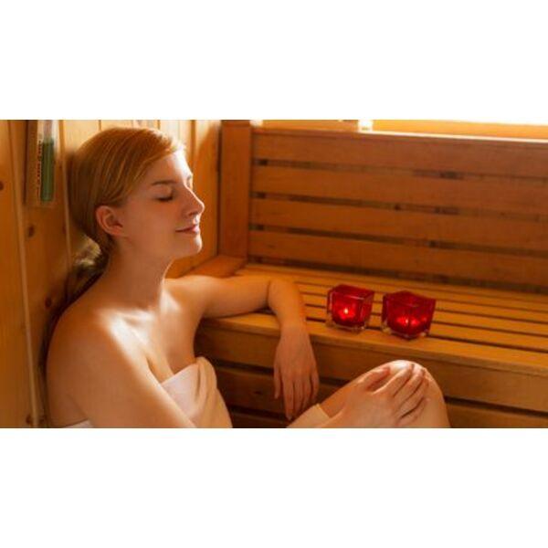 les saunas infrarouges l honneur chez clairazur. Black Bedroom Furniture Sets. Home Design Ideas