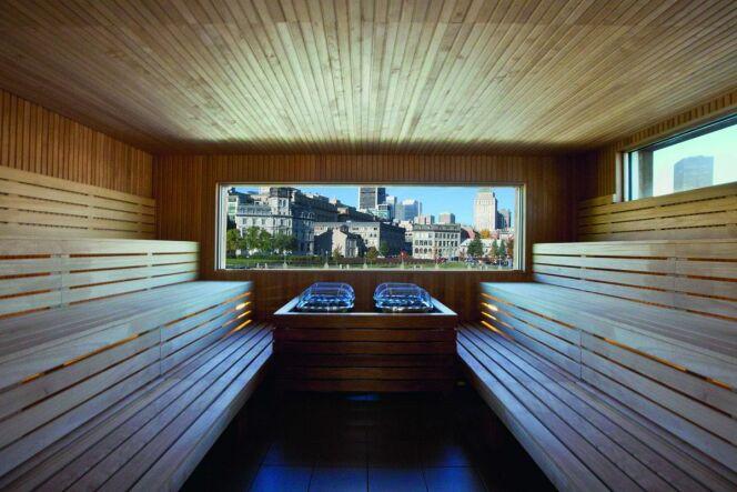 Un sauna avec vue sur la vieille ville