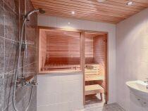 Un sauna douche : gain de place et hygiène