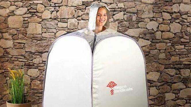 """Le sauna individuel n'est pas très élégant mais il remplace à merveille un sauna classique.<span class=""""normal italic petit"""">© Bien et Bio</span>"""