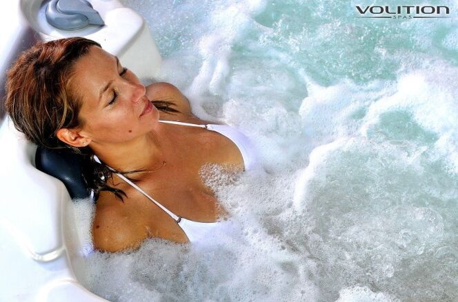 "Un spa de Volition Spas  <span class=""normal italic petit"">© Volition Spas</span>"