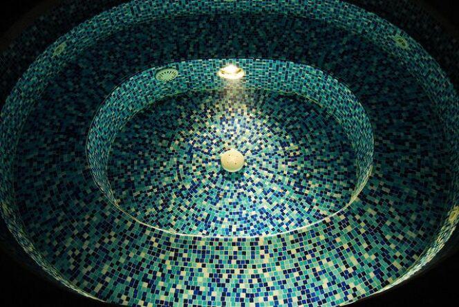 Un spa en mosaïque possède un charme inimitable.