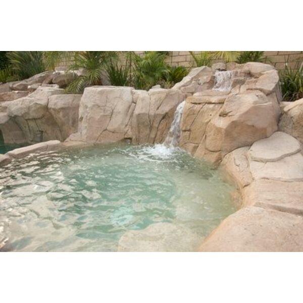Le spa naturel un bain bulles qui s int gre parfaitement son environnement - Piscine spa integre ...