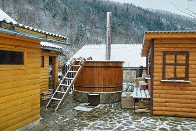 Un spa tonneau, aussi appelé bain nordique.
