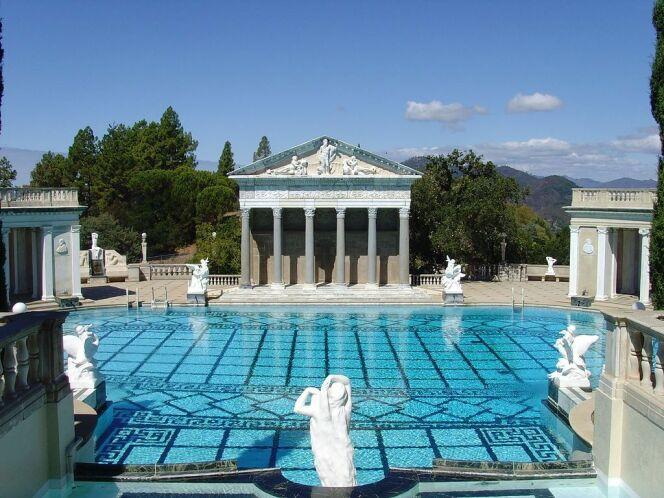 Un temple dédié à Neptune à côté de la piscine de Hearst Castle