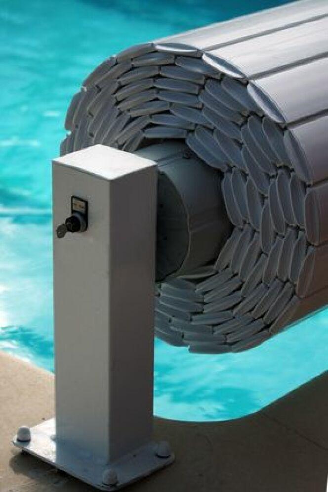 Un volet de piscine connecté