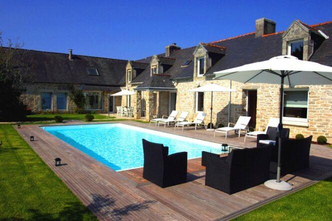 """Un chauffage pour la piscine et la maison <span class=""""normal italic petit"""">© L'Esprit piscine</span>"""