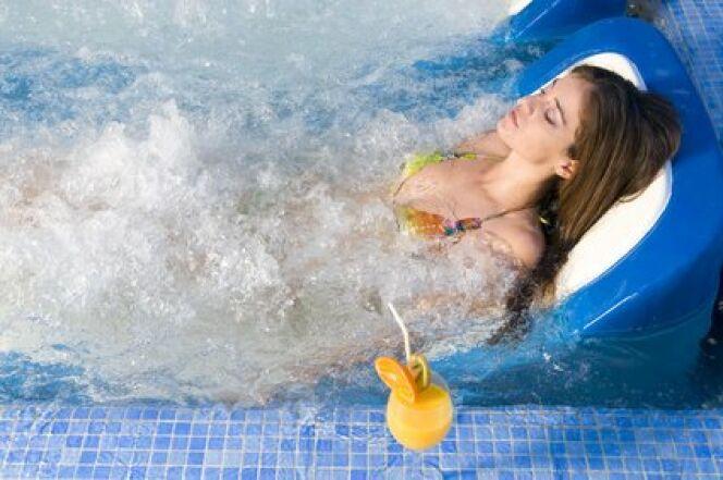 """Un spa pour des massages hors du commun  <span class=""""normal italic petit"""">© Tandem - Fotolia.com</span>"""