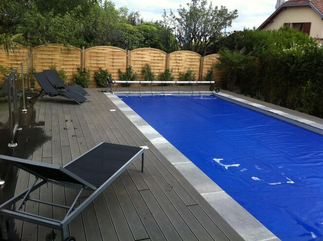 Une b che de piscine sur mesure for Bache octogonale piscine