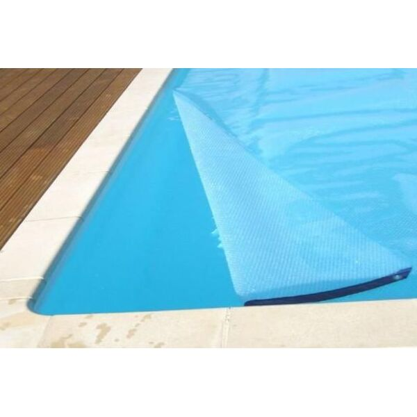 Une b che de protection pour votre piscine prot ger la for Protection piscine