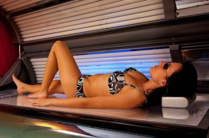 """Une cabine à UV comporte des risques pour la santé. <span class=""""normal italic petit"""">© Krzysztof Kruz - Fotolia.com</span>"""